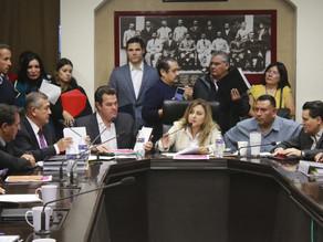 Rechazan deuda diputados de Morena