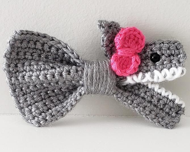 How to Crochet a Simple Shark Bow
