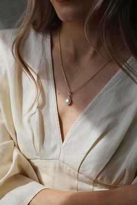 Tutti and Co Pearl Drop Necklace Gold