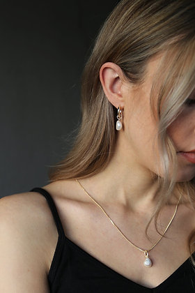 Tutti and Co Pearl Drop Earrings Gold