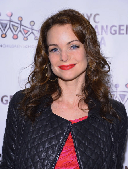 KIMBERLY WILLIAMS PAISLEY RED CARPET