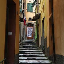 village-steps_14962167790_o.jpg