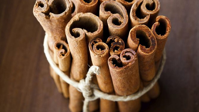 8 OZ CINNAMON STICKS