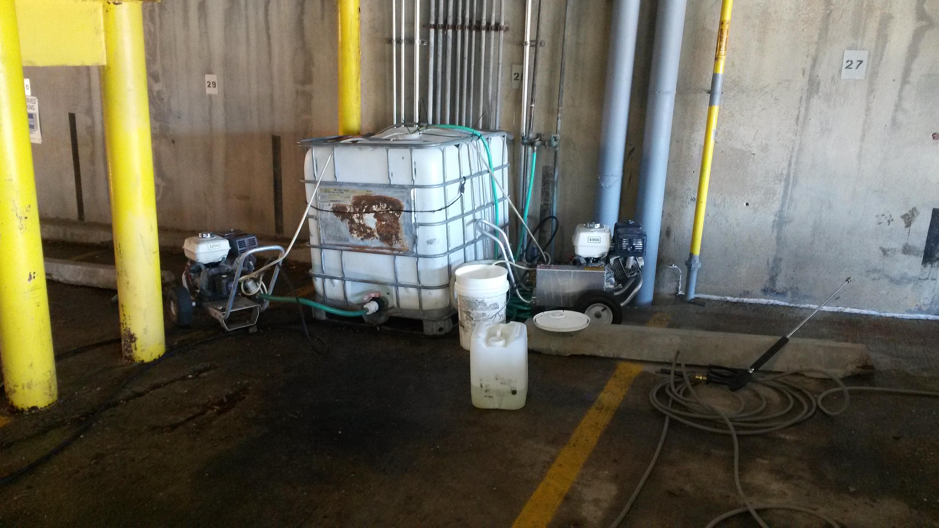 parking deck powerwashing2.jpg