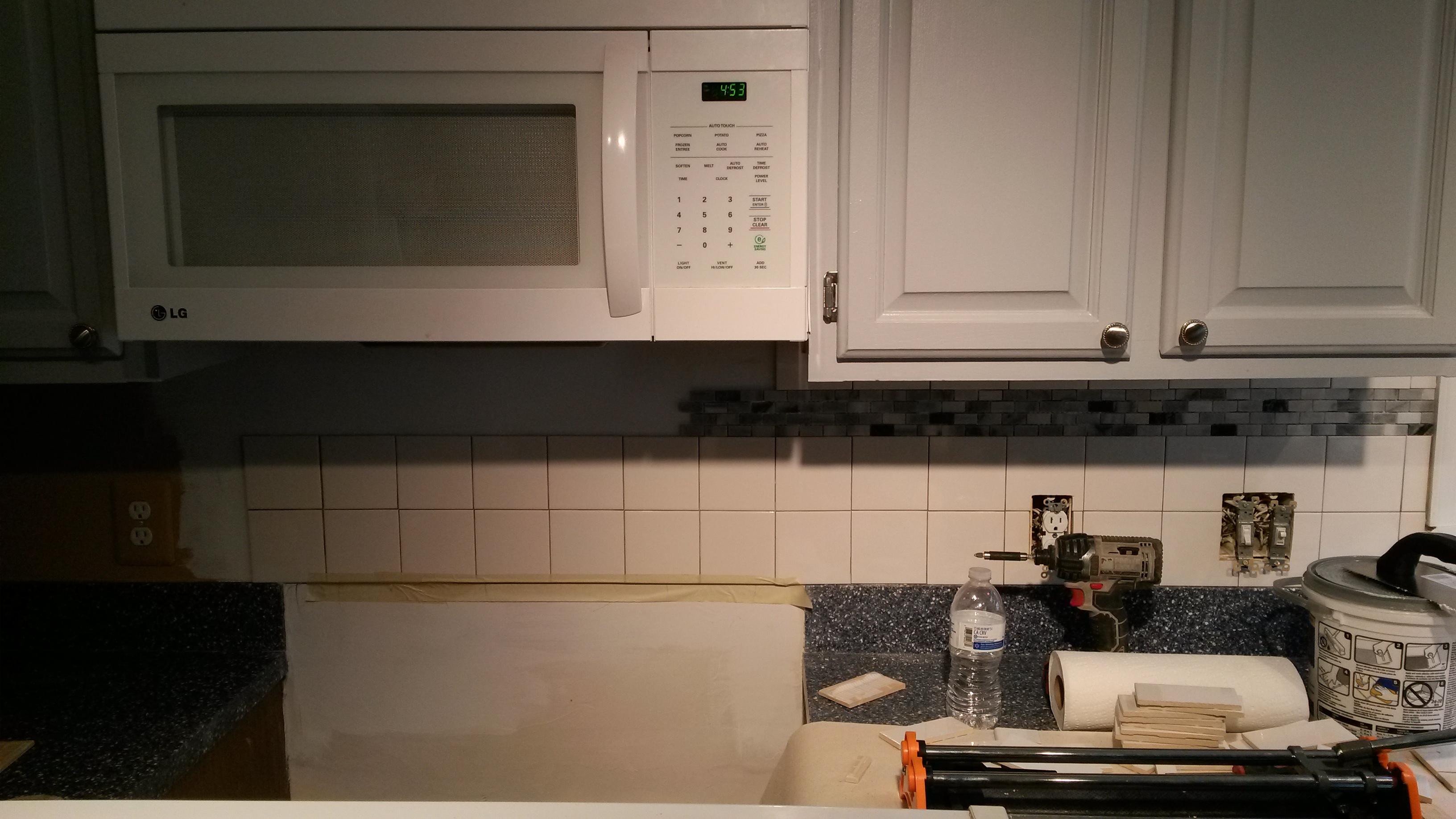 tile back splash installation6.jpg