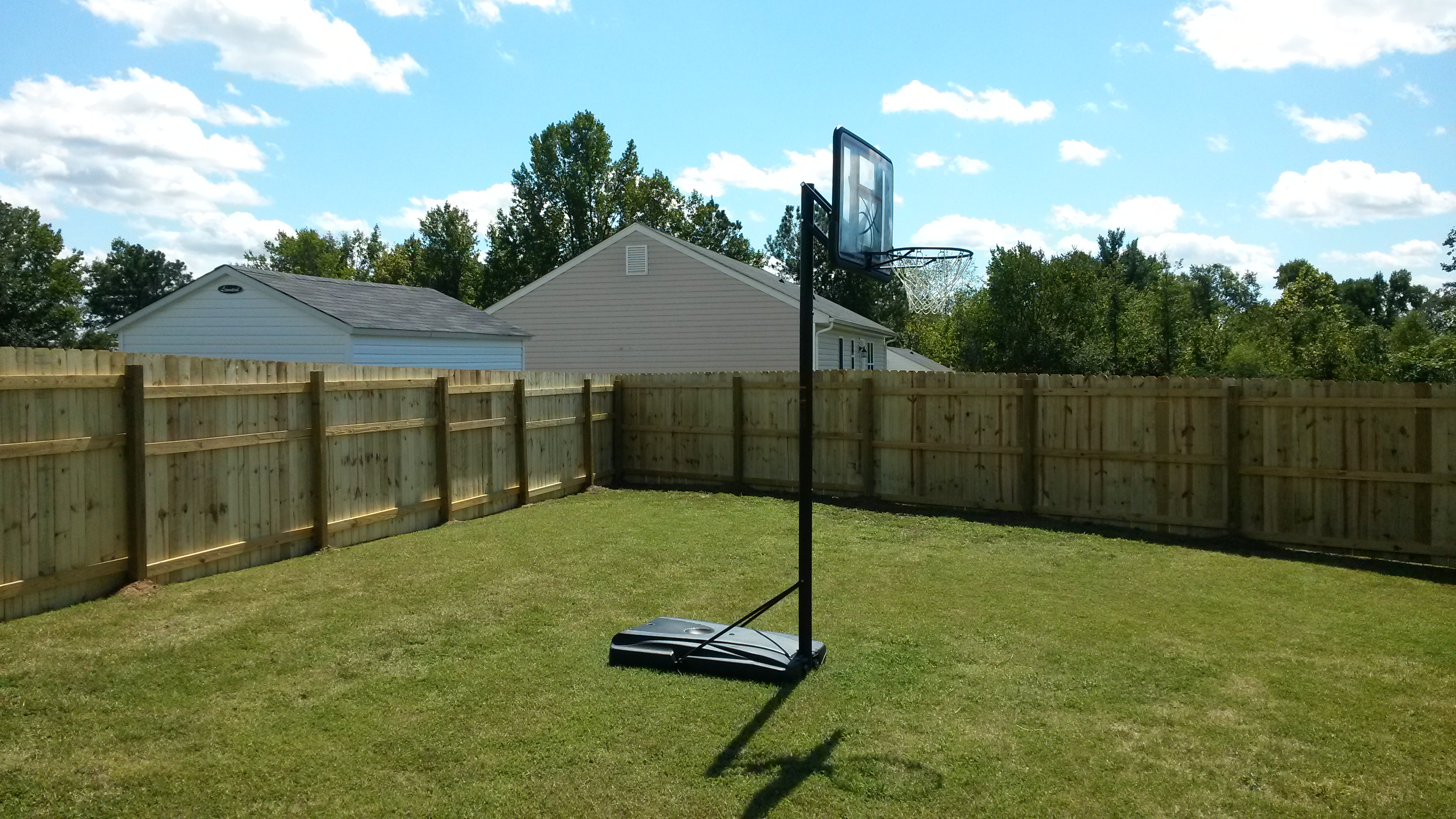 6' fence installation6.jpg
