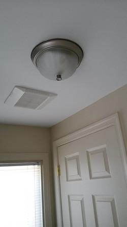 Bedroom to Bathroom exhust vent in ceiling_edited.jpg