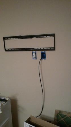flat tv wall mount installation2_edited.jpg