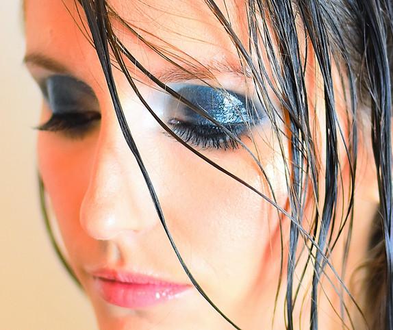 Glossy eyes