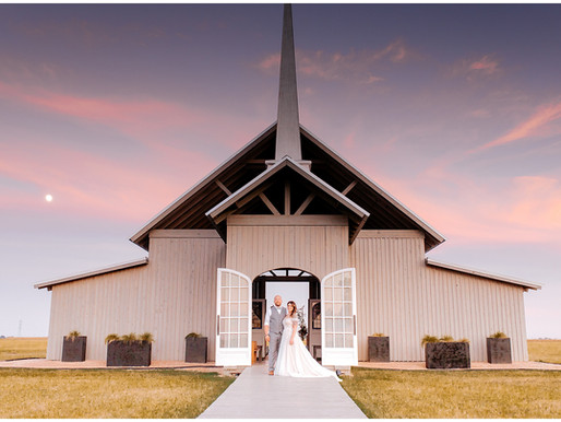 Alexandra & Mike | The Allen Farmhaus | Snap Chic Photography
