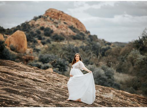 High Fashion + Desert Maternity Shoot | Snap Chic Photography | Enchanted Rock | Ashton & Chris