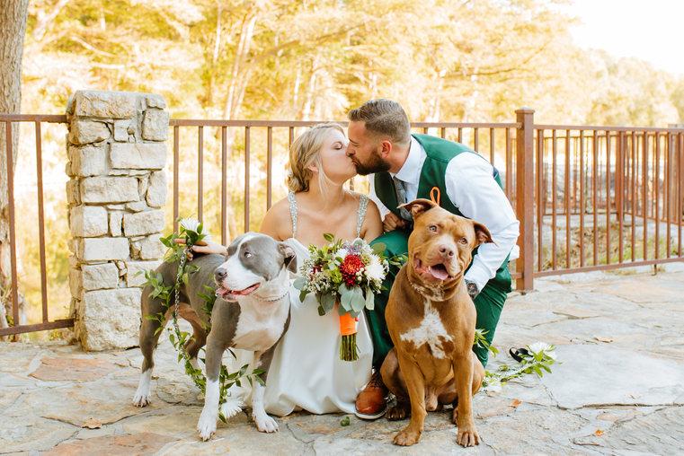 Boerne Wedding Photographer | Hideout on The Horsehoe Wedding