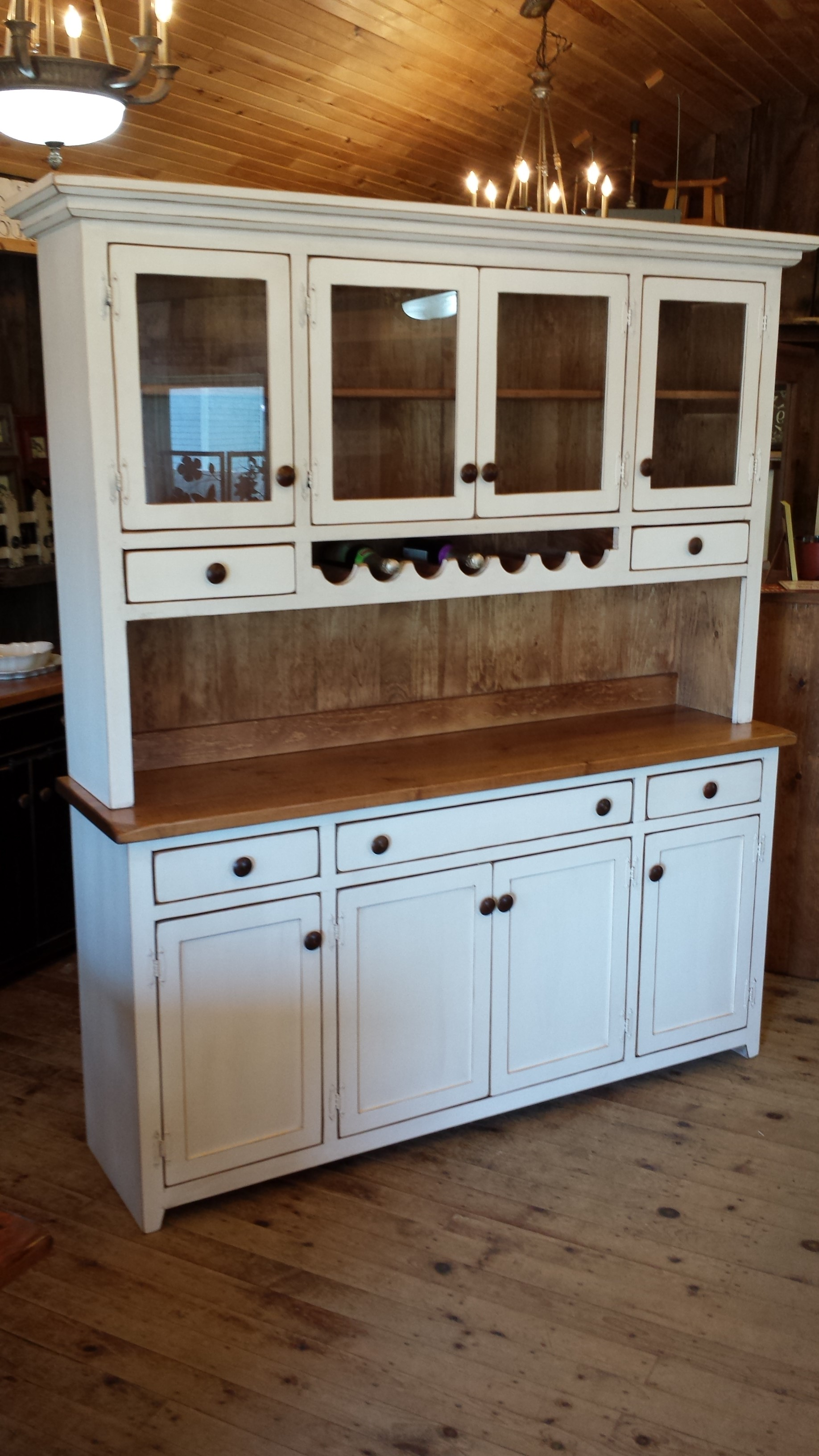 Buffet and Hutch with Wine Rack