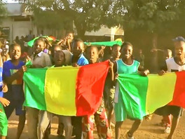 G R PIS FAMILY - Mali (Clip Officiel)