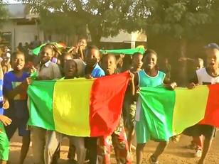 G R PIS FAMILY - Mali (Clip Officiel)