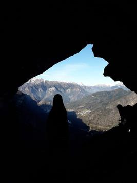 Grotta della Madonna della Corna Busa, R