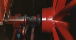 1982 Red Engine16.jpg
