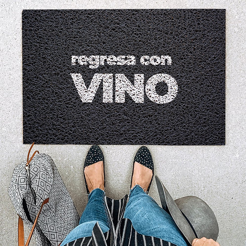 Felpudo Regresa con vino