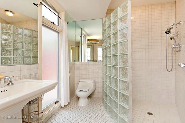 Bedroom3 bath.jpg
