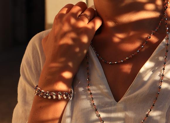 Collier sautoir en perles scintillantes