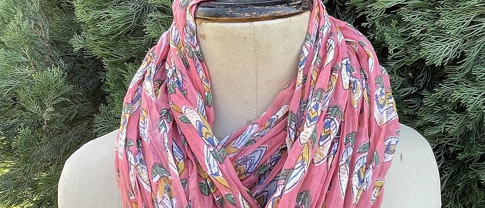 Écharpe fleurie rose clair