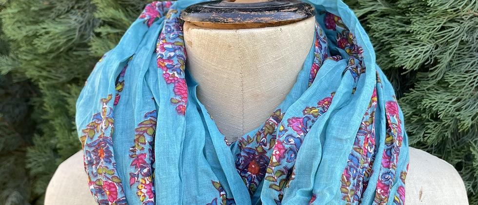 Écharpe fleurie turquoise