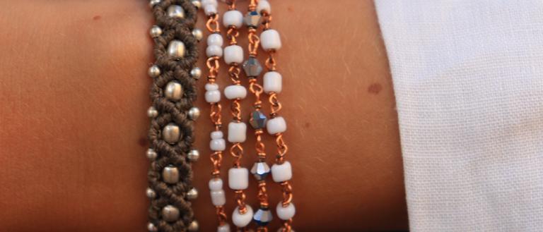 Bracelet en corde et perle de laiton
