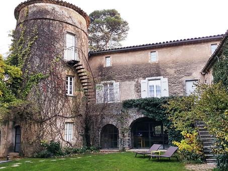 On se met au régime Paléodans un Château du XIIème siècle