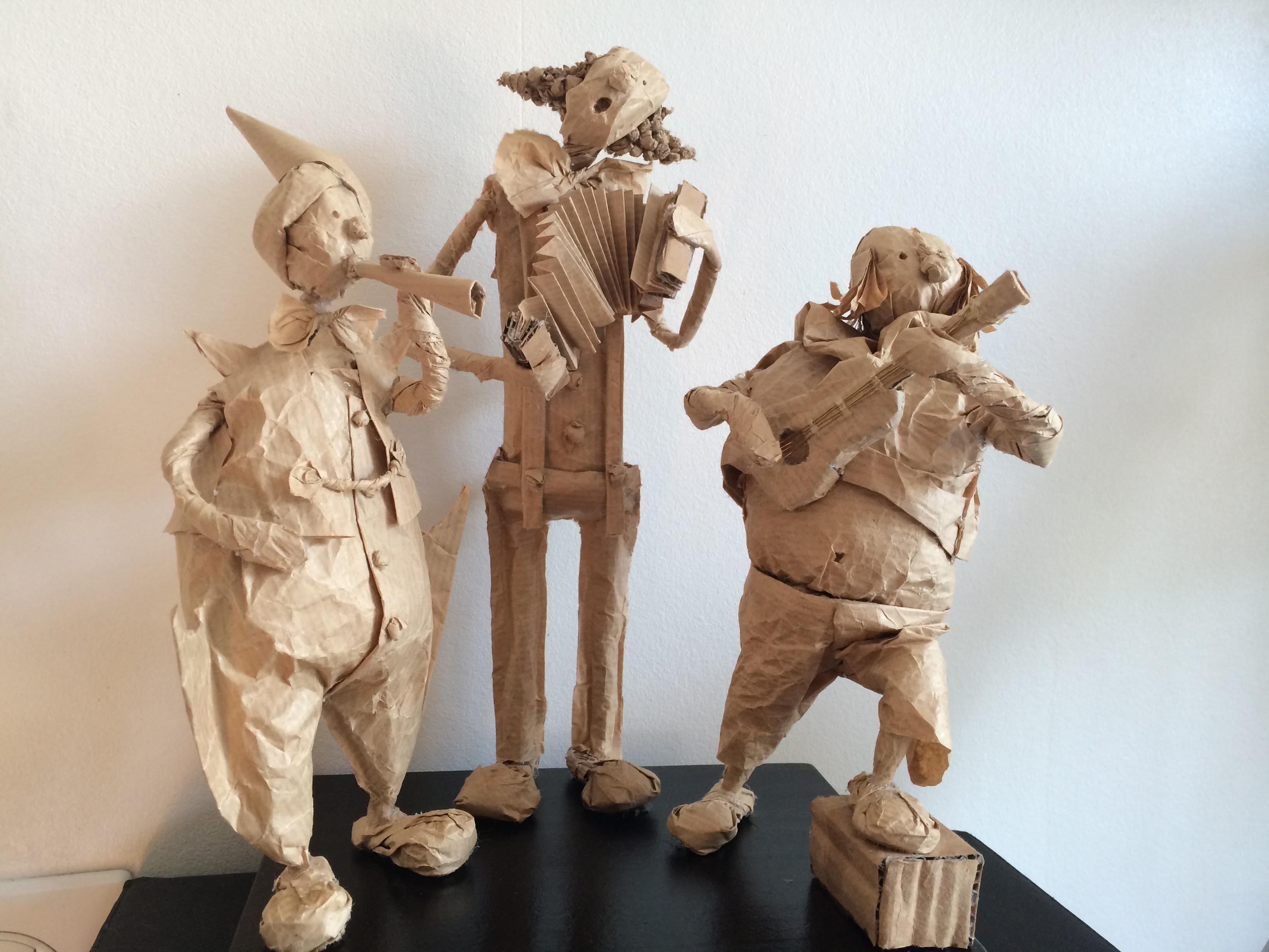 3 clowns musiciens