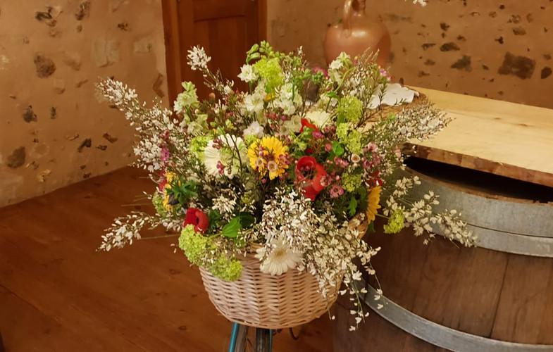 vélo décoré et fleurs guinguette