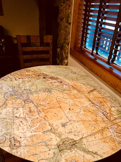 Trailside Flyby Kitchen Table
