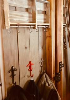 Trailside Flyby Cabin Jacket hooks