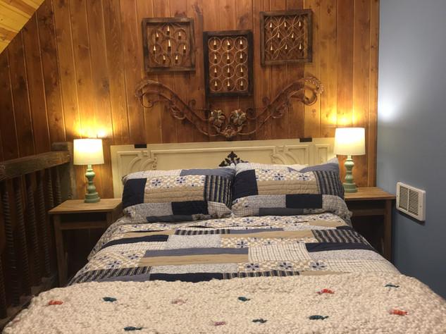 The Highnote Cabin loft bedroom