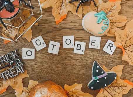 Blogtober Day 1: 10 Reasons Why October Is The Best Month Ever!