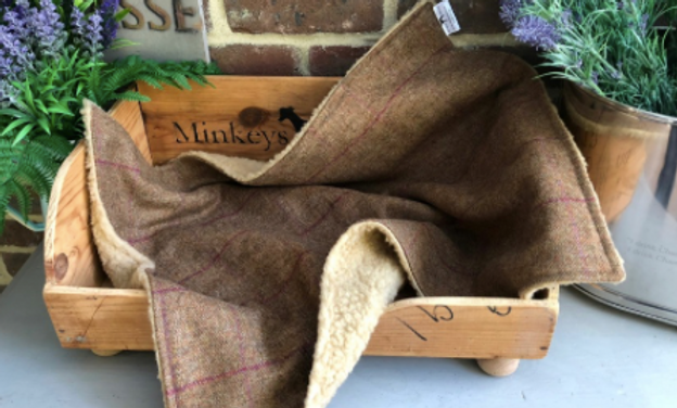 Luxury Minkeys Tweed Pet Blanket