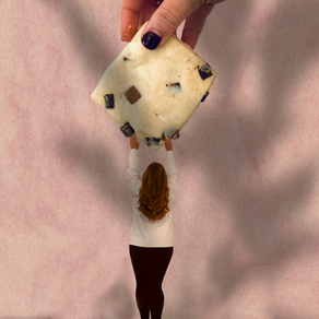 HAPPY NATIONAL CHOCOLATE CHIP COOKIE DAY: HOW I MADE MY CUTE COOKIE PIC