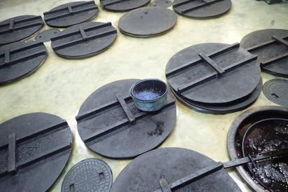 本藍染矢野工場  徳島県藍住町にある工場で藍建てを学ぶ