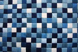 藍染めのパッチワーク作品 増殖させていきます。