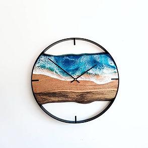 Live edge ocean clock.jpg