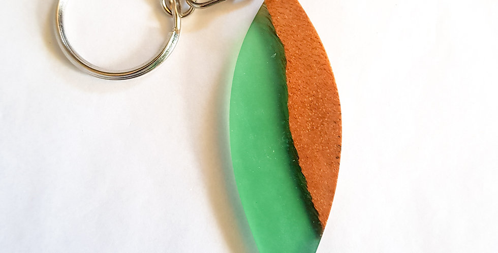Wood and resin keyring - Surfboard