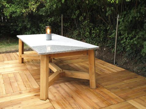 stůl na terasu