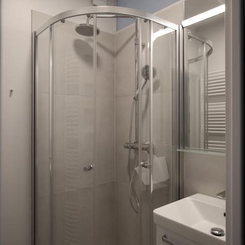 malý byt v paneláku-koupelna