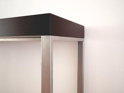 odkládací stolek-detail