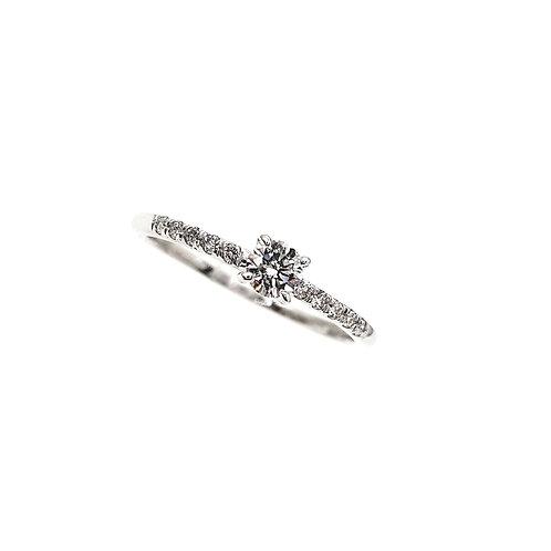 Bague Or blanc 18 carats solitaire diamant accompagné