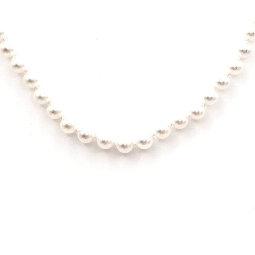 Collier de perles japonaise