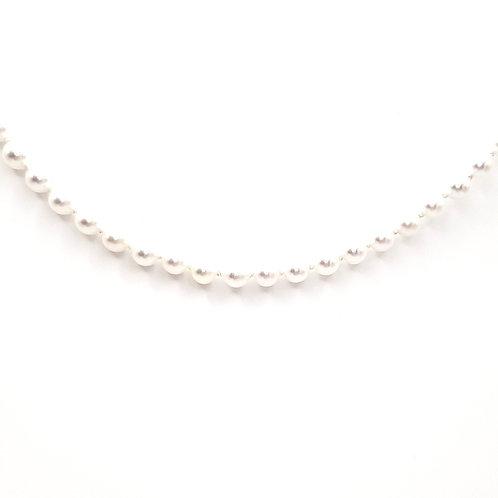 Collier de perles japonaises