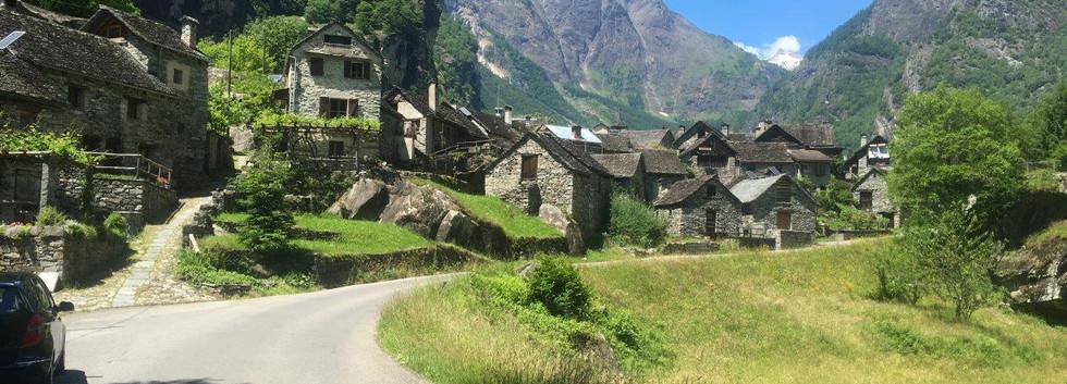 Strasse im Val Bavona
