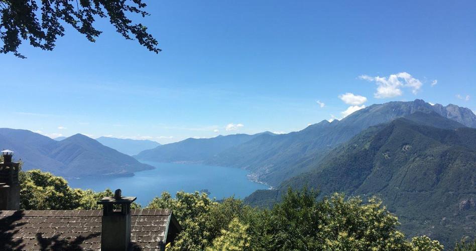Aussicht vom Brè Richtung Brissago, Italien