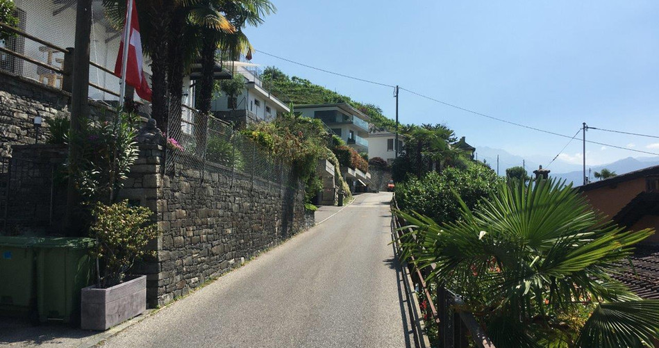 Strasse Richtung Agarone
