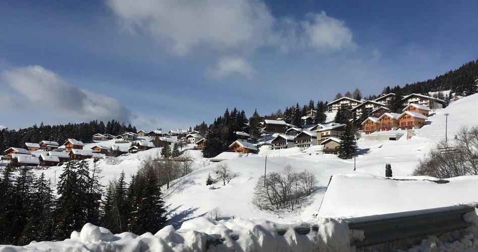 Dorf Carì